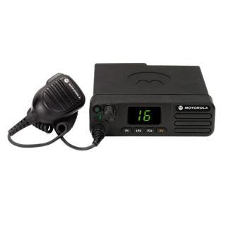 Motorola MOTOTRBO™ DM4400e UHF - mobilní duální radiostanice