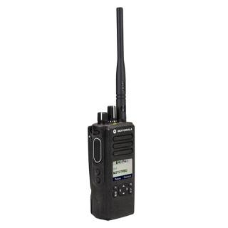Motorola MOTOTRBO™ DP4600e VHF model MDH56JDQ9VA1AN typ PBER302F se širokopásmovou VHF anténou