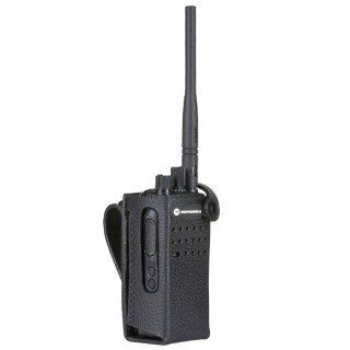 """PMLN5864 Pouzdro z tvrdé kůže pro radiostanice Motorola DP2400e nebo DP2400 na 3"""" opasek"""